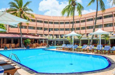 Pool view of the Paradise Beach Hotel Negambo Sri Lanka
