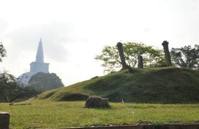 Ancient ruins of Anuradhapura, Hotel, Sri lanka